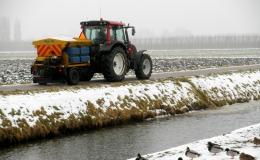 Gladheidsbestrijding - Zoutstrooien en sneeuwruimen