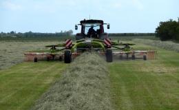 Gras en hooi opwieren max werkbreedte 9.85mtr.